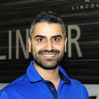 ARASH BABAEI : Service Advisor